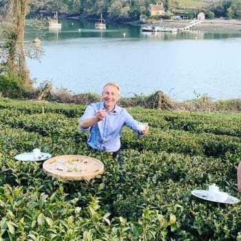 staff member in the Halwyn tea plantation