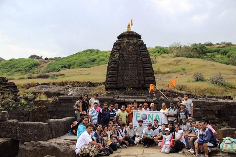 harishchandra gad Shiva temple