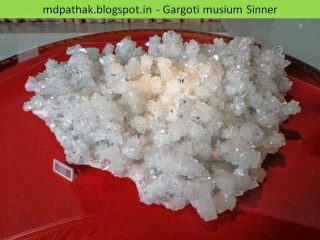 apophyllite stilbite stalactite found at Jalgaon, Maharashtra