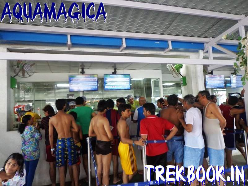 aquamagica lunch crowd