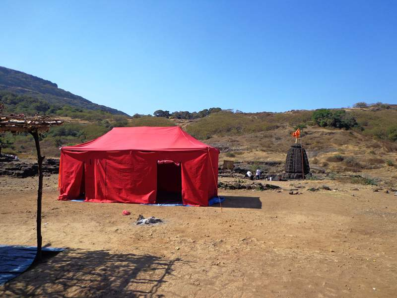 tents avalilable at harishchandragad