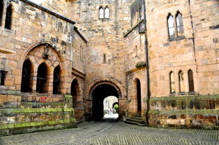 The keep courtyard, looking back at the entrance
