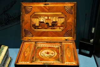 Box made by prisoners, 1781