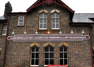 Llanfairpwllgwyngyllgogerychwyrndrobwllllantysiliogogogoch's railroad station