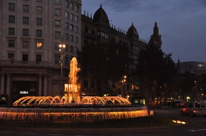 Fountain near the start of the Passeig de Gracia and the main Plaza Catalunya