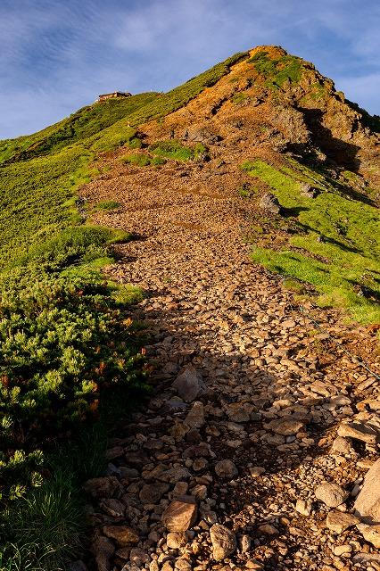 赤岳山頂までの登山道