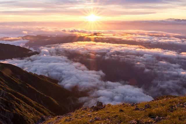 赤石岳山頂からの夕焼け