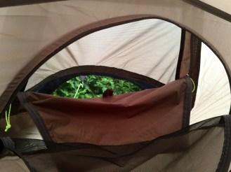 North Bay II:n tuuletuskanavat ovat vakuuttavan kokoiset, tukevaa tekoa ja kätevät käyttää teltan sisäpuolelta.