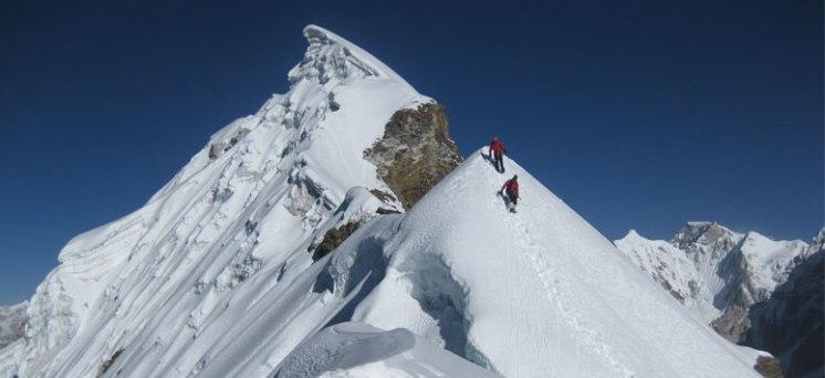 lobuche-Climbing