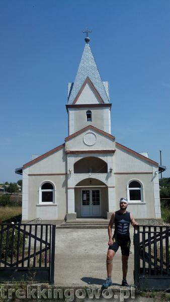 Mołdawia - Dzień 4 strycza kościół trekkingowo