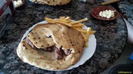 Bośnia 2014 - bałkańska potrawa - Ćevapi, czyli roladki z mięsa mielonego