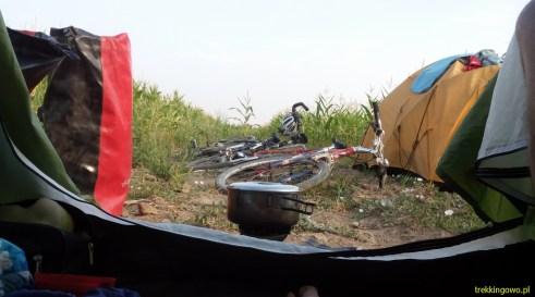 Mołdawia 2015 - gotowanie bez wychodzenia z namiotu