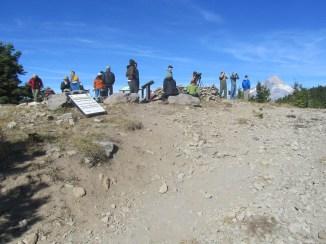 The crowd of Hawk watcher on Bonney Butte.