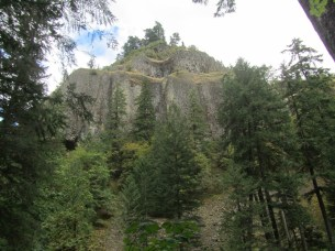 Because of its unique geology for most of the trail you have towering vertical cliff walls.