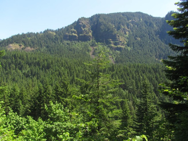 Close to the end of the trail and a final view over to Benson Plateau.