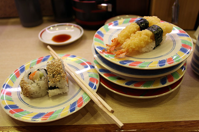 This diner found out how addictive sushi on conveyor can be (Bex Walton/flickr)