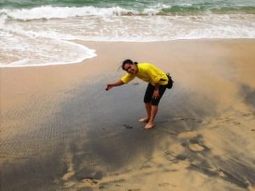 A famosa praia da areia preta, de areia preta mesmo, tivemos só uma amostra