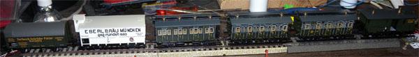 Vagones 43982+vagón trix