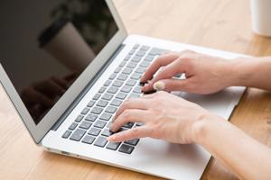 ビジネス メール 新年 挨拶 新年の挨拶のマナーとは?ビジネスでは?メールの内容についても詳しく解説!|フリーブログ。