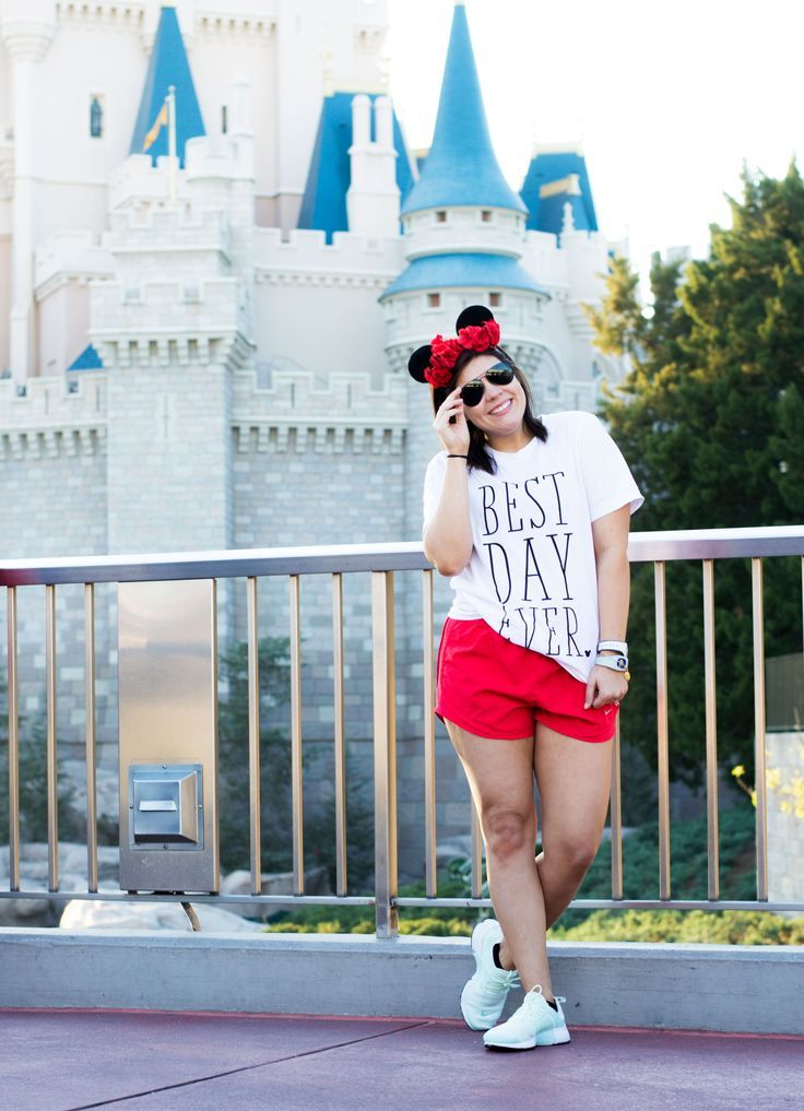 How to Dress like a (practical) Princess in Disney World - Kassy On Design