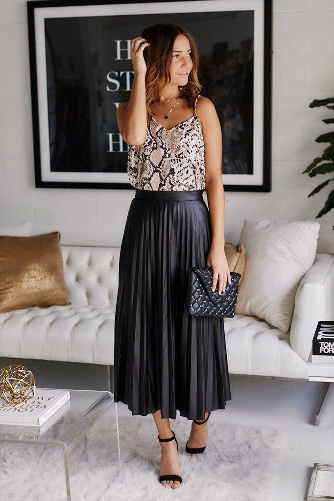 Look : Comment porter la jupe plissée en 2020 ? (Photos) ⚡