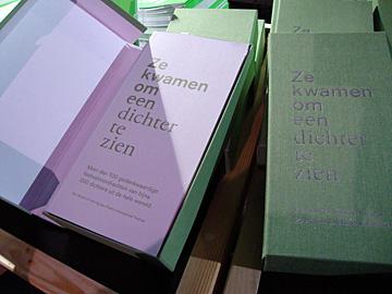 17 publicatie 40 jaar Poezie International