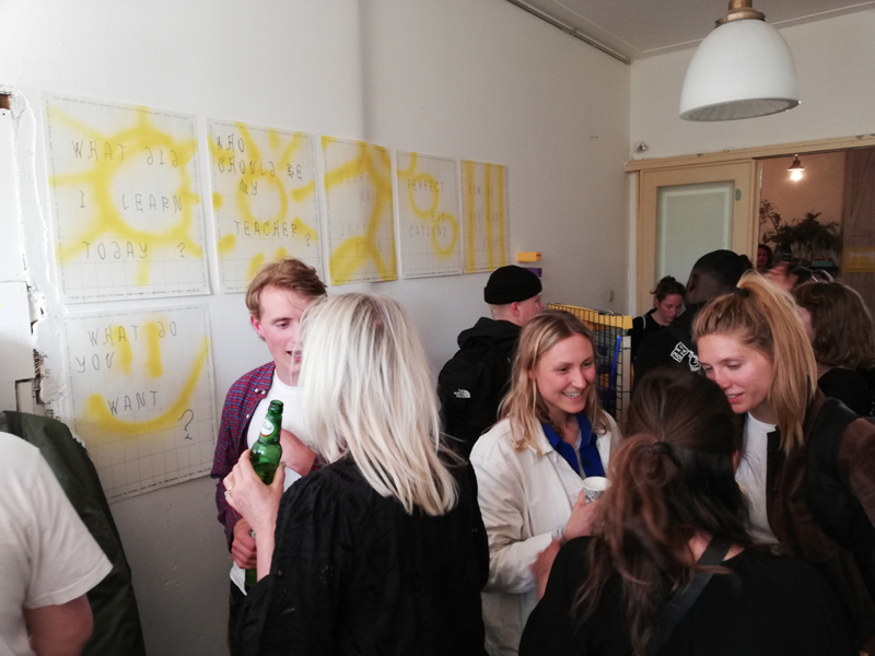 Hiërarchie, onderwijs en collectivisme bij Galerie Schans, Amsterdam