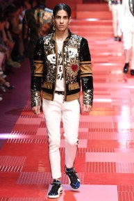 Dolce and Gabbana84-mensss18-61517
