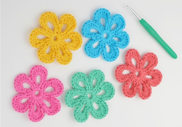 Easy Crochet Flower Pattern How To Crochet A Easy Flower For Beginners Flowers Healthy