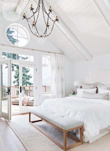 A Beautiful All White Apartment In Modern Style 37
