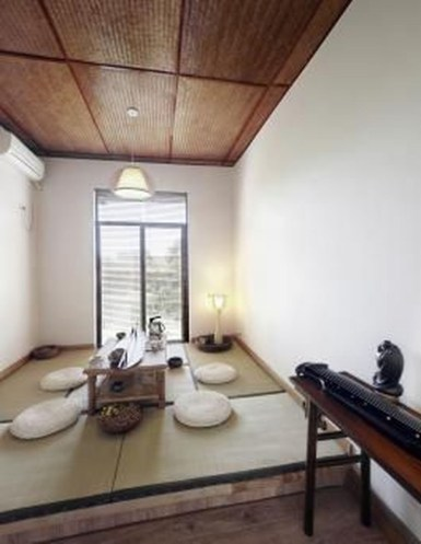 Apartment With Artistic Japanese Style Design 10