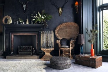 Best Living Room Ideas With Black Walls 23