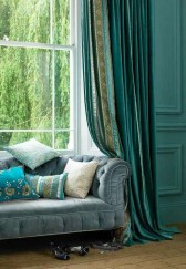Guide To Choosing Curtains For Your Minimalist House 34