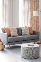 Guide To Choosing Curtains For Your Minimalist House 43