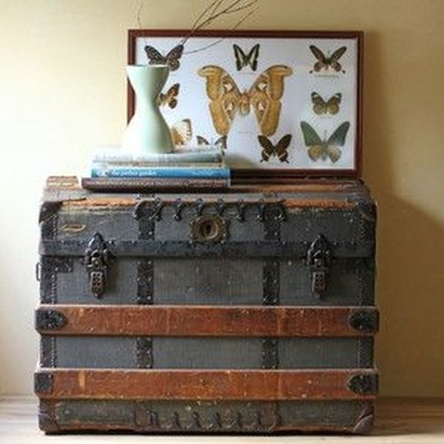 Ideas To Decorate Your House With Vintage Chests And Trunks 18