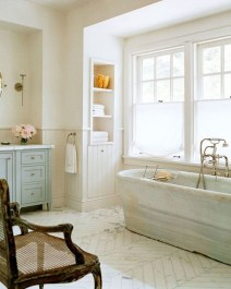 Inspiring Bathrooms With Stunning Details 19