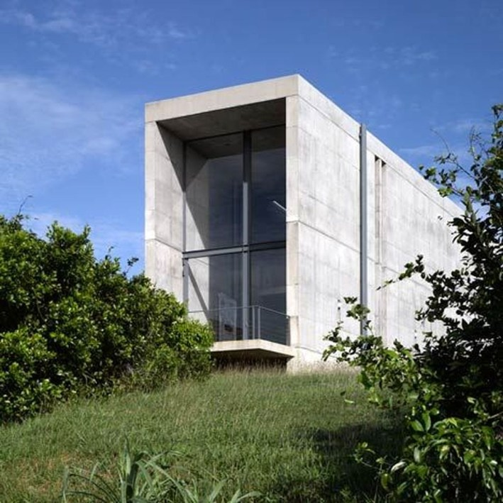 Spectacular Designs Of Minimalist Two Storey House 46