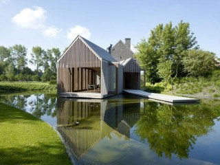 A Wooden House That's Simple On The Outside But Modern On The Inside 22