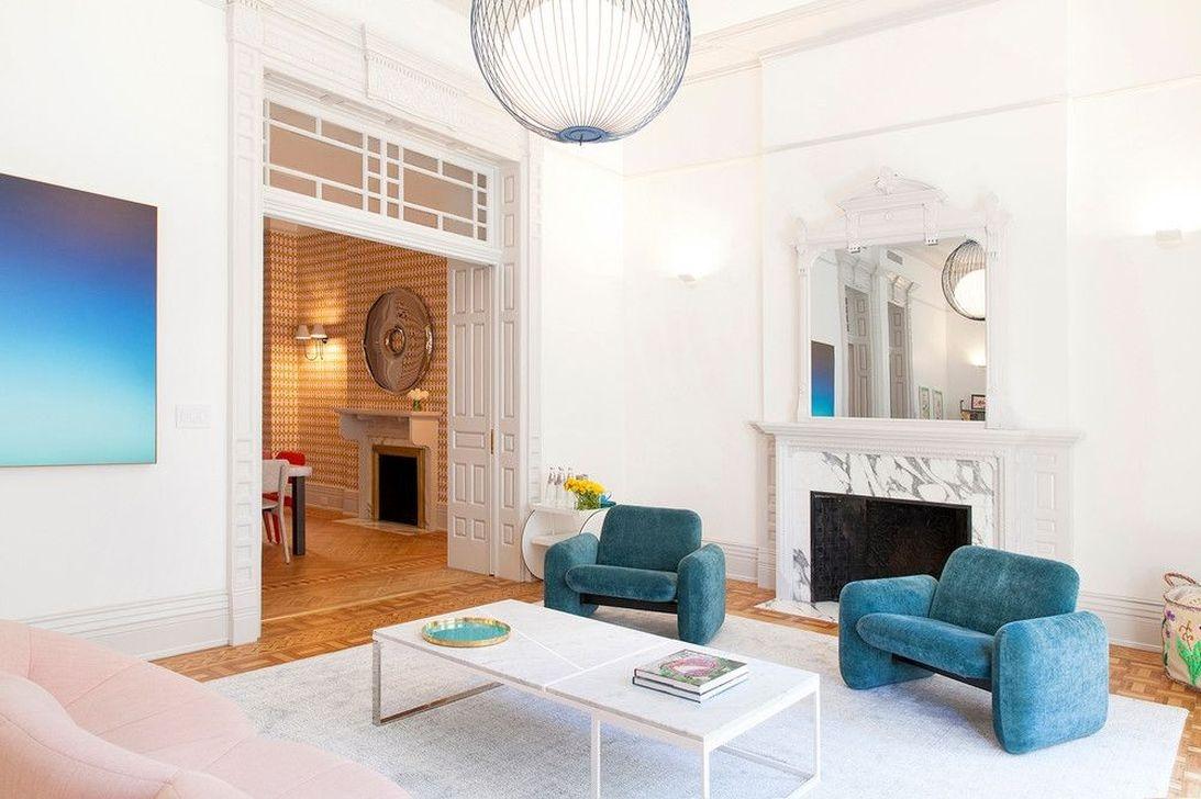 Apartment With Colorful Interior Design 46