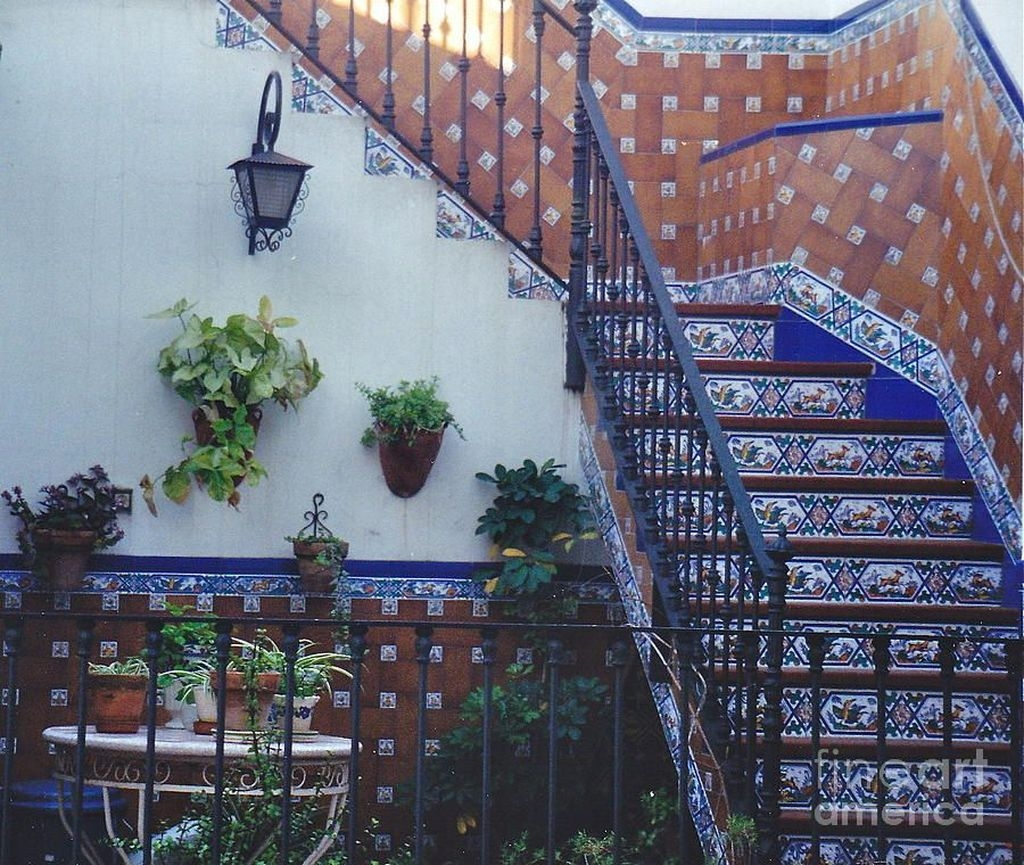 Beautiful Tiled Stairs Designs For Your House 35