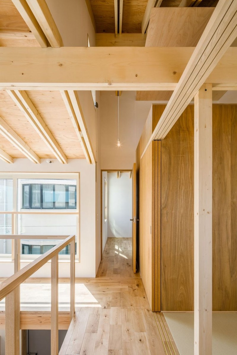 Charming And Minimalist Wooden House 03