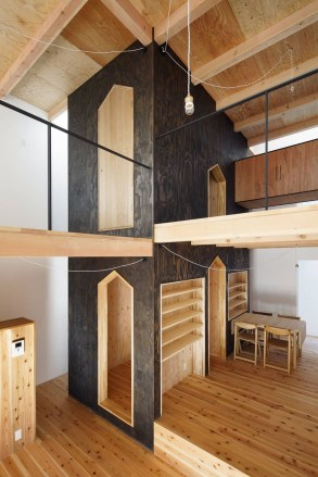 Charming And Minimalist Wooden House 15