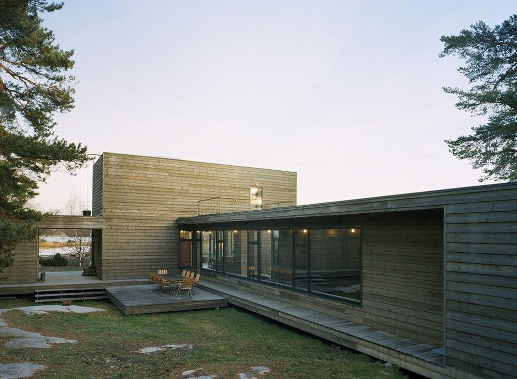 Charming And Minimalist Wooden House 19