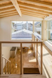 Charming And Minimalist Wooden House 34