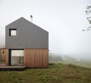 Charming And Minimalist Wooden House 42
