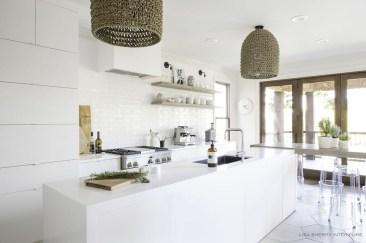 Modern Minimalist House That Full Of Surprises 37