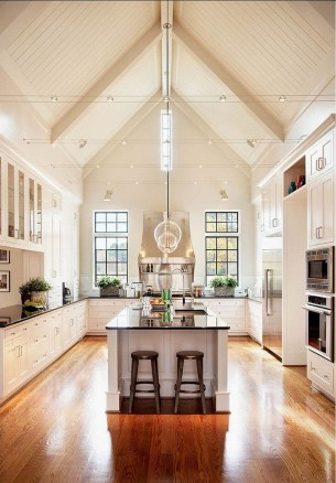 This High Ceilinged House Is Extremely Unique 32