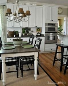 Amazing Farmhouse Kitchen Tables Ideas 31