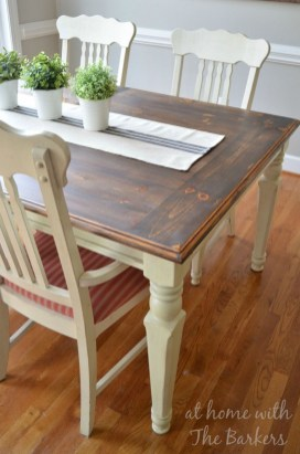 Amazing Farmhouse Kitchen Tables Ideas 43
