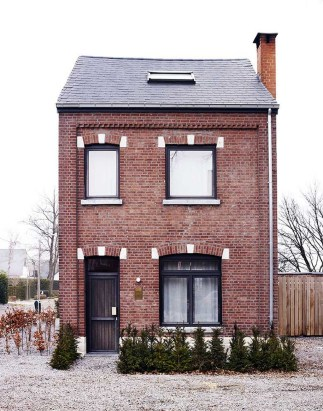 This Small Charming House Is Perfect 40